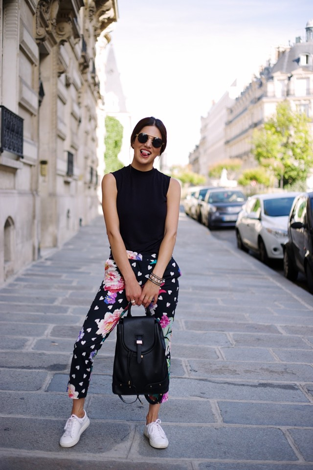 62d17467eb7e83d9d1ac457ca34ce39a44fa6ef3-heart-printed-trousers-in-the-city-of-love-5-1200