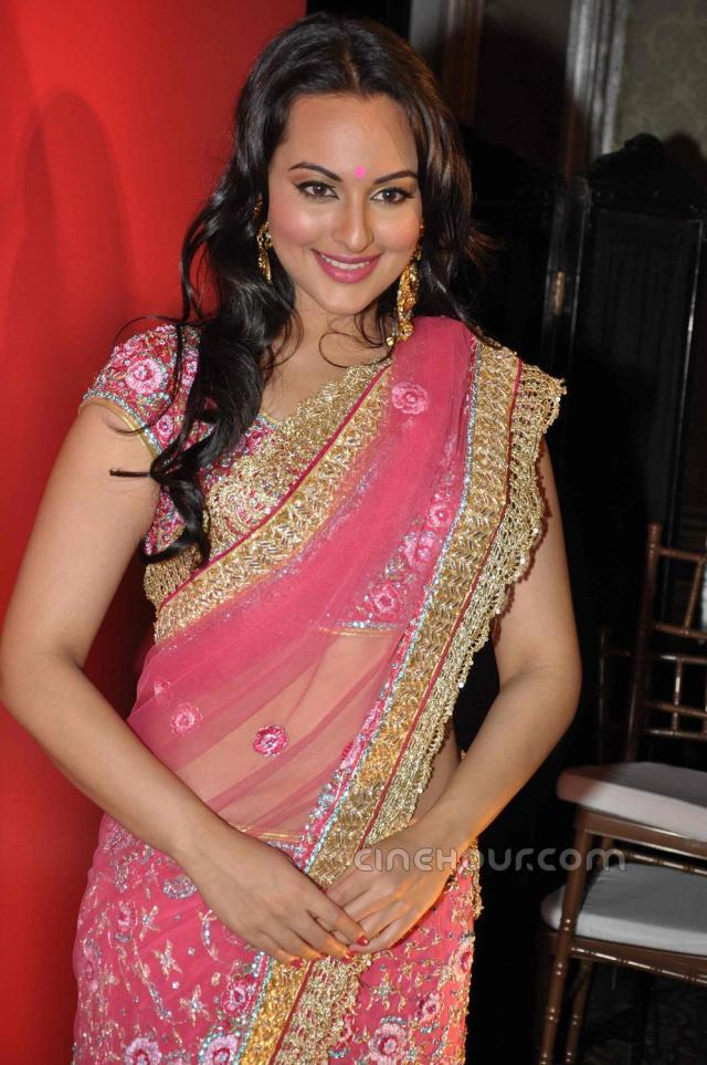3009820Sonakshi_Sinha_Half_Saree_Photos_4