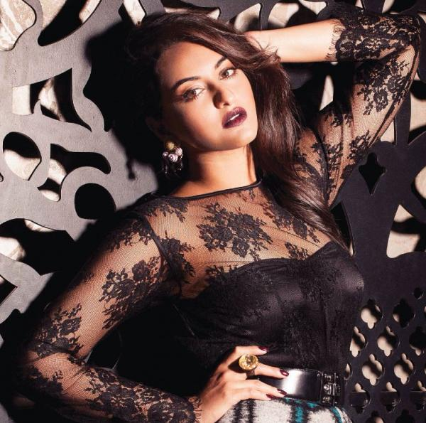 Sonakshi-Sinha-Hot-Photoshoot-For-Grazia-Magazine-November-2013-3