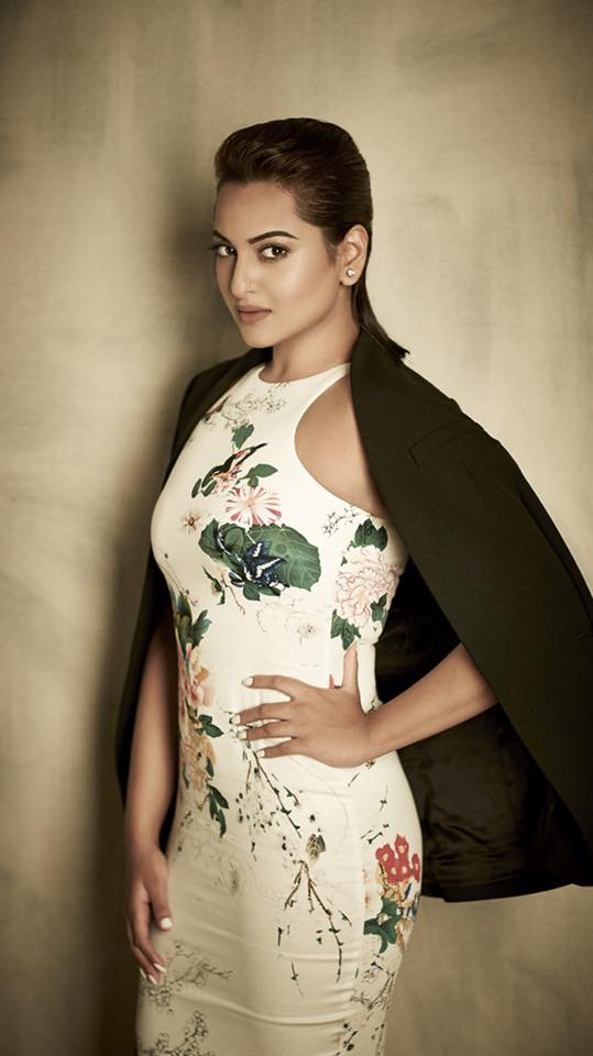Sonakshi-Sinha-on-Exhibit-Magazine-3
